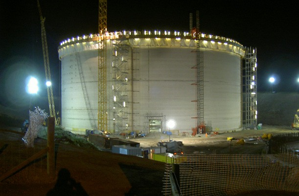 LNG-tanks - Wales